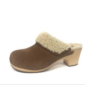 Crocs Sarah luxe lined mule clog Sherpa 7